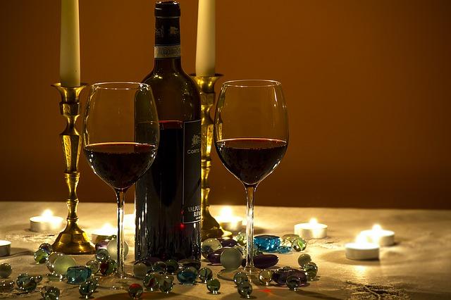 יין לאור נרות